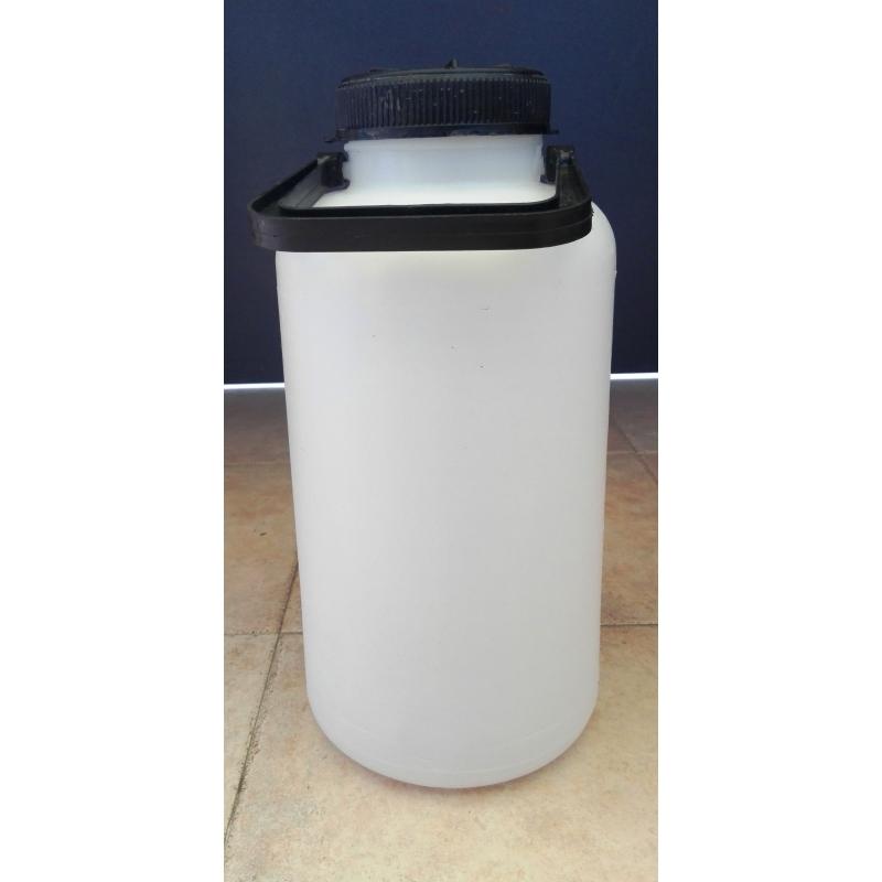 Usando solo un contenitore da litri e un contenitore. - PensieriParole